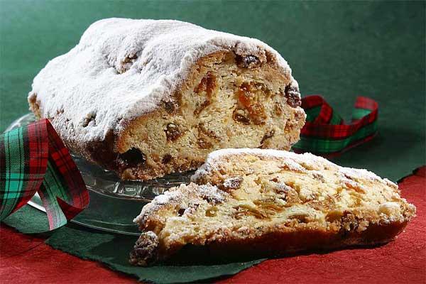 http://www.vinoge.com/files/image/christmass_cake_0.jpg